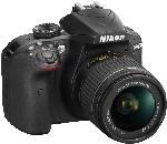 Spiegelreflexkameras - Nikon D3400 Kit + Tasche + Speicherkarte Spiegelreflexkamera 24.72 Megapixel mit Objektiv 18-55 mm f/5.6, (+Tasche, 16GB Speicherkarte), 7.5 cm